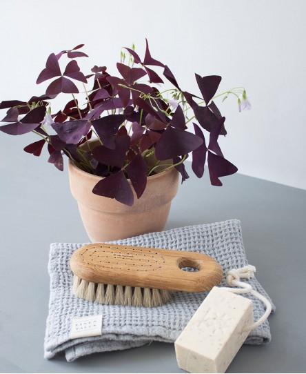 buerste-badezimmer-iris-hantverk